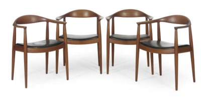 A MATCHED SET OF SEVEN TEAK DI