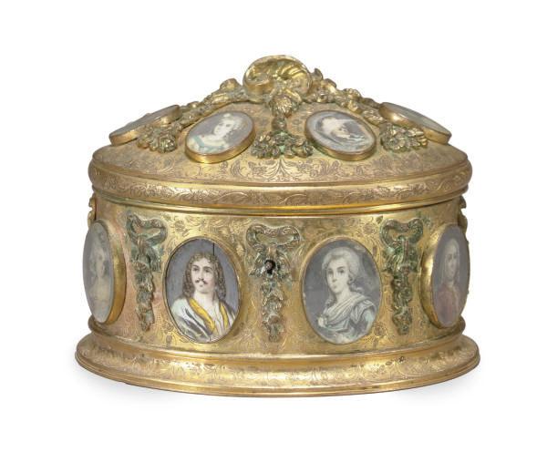 A FRENCH ORMOLU TABLE CASKET,