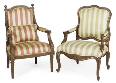 TWO PAIRS OF MAHOGANY FAUTEUIL