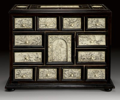 AN ITALIAN IVORY-INLAID ROSEWO