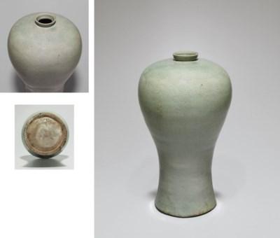 A Celadon Stoneware Maebyong I