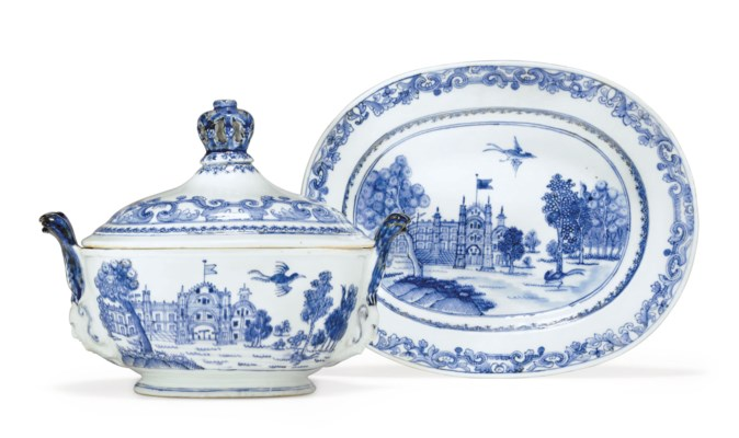 A BLUE AND WHITE TUREEN, COVER