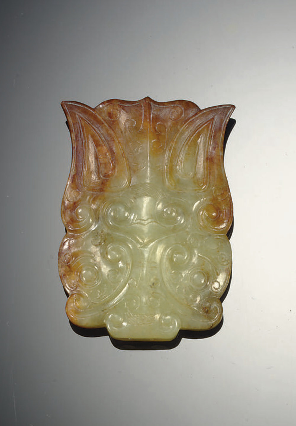 A FINELY CARVED CELADON AND RU