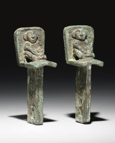 A RARE PAIR OF BRONZE CHARIOT