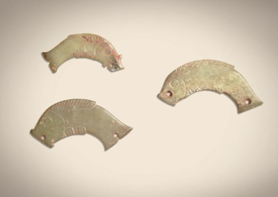 THREE GREYISH-GREEN JADE FISH
