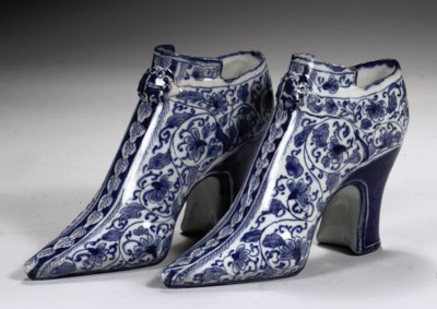 A pair of English Delftware bl