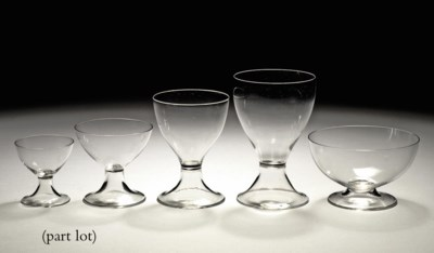 A clear glass part drinking se