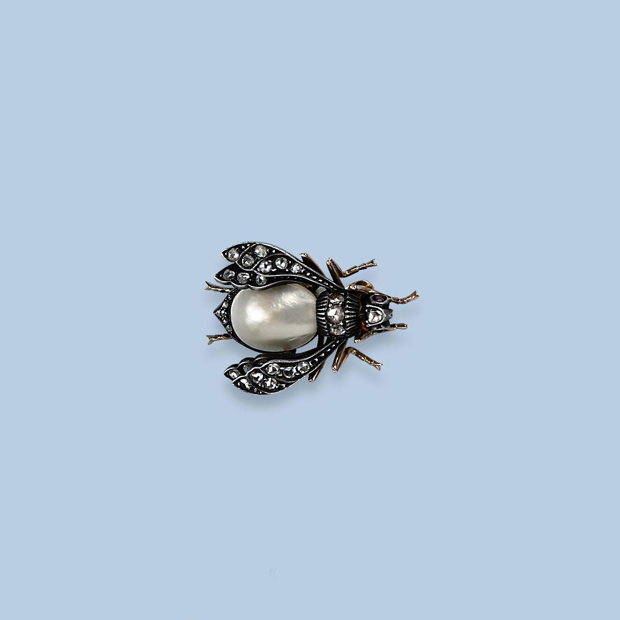 AN ANTIQUE DIAMOND INSECT PEND