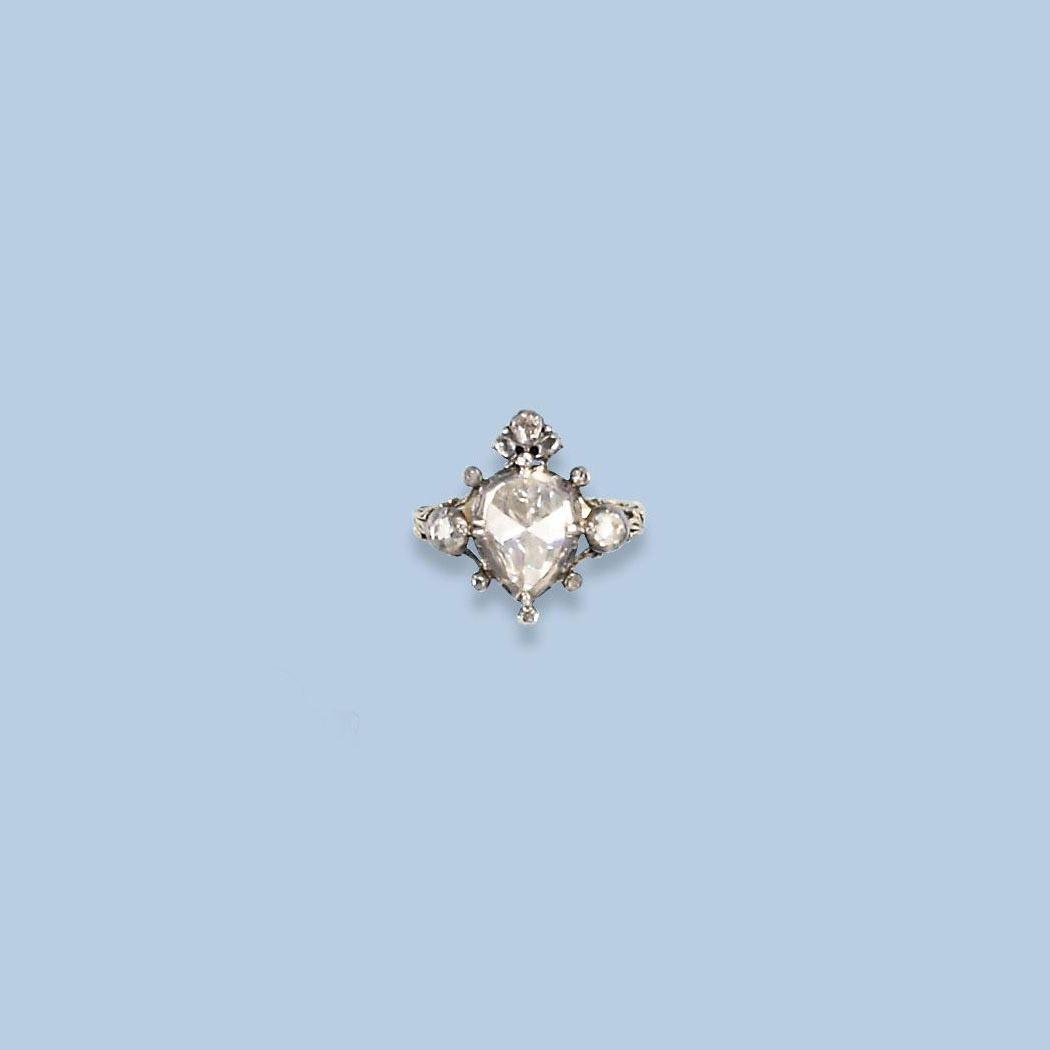 AN ANTIQUE ROSE-CUT DIAMOND RI