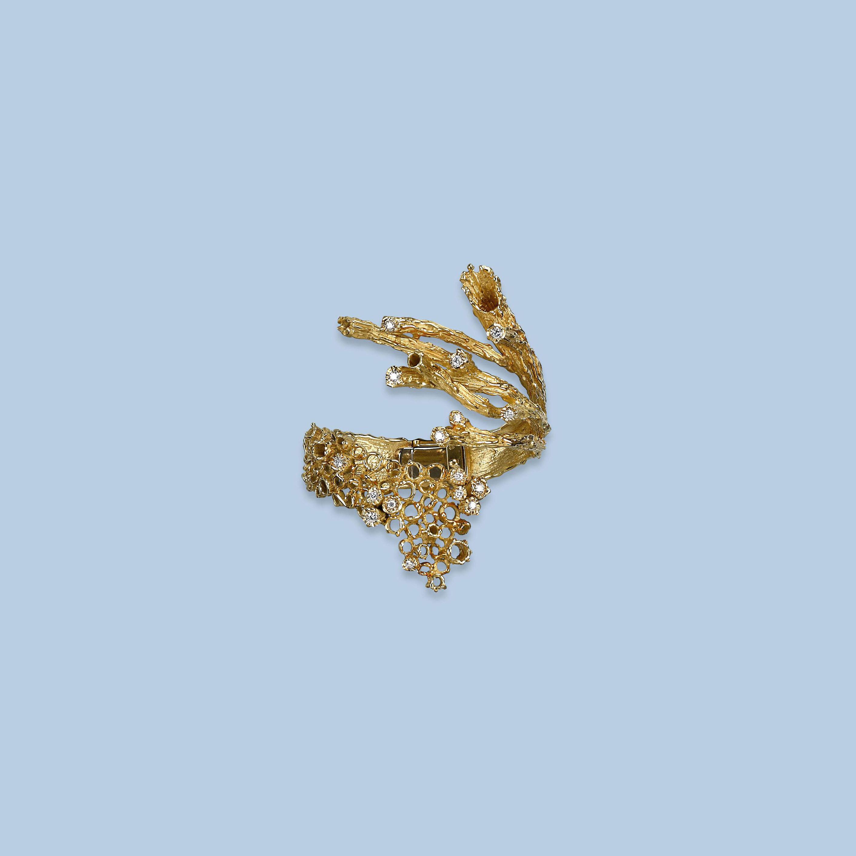 A CONTEMPORARY GOLD AND DIAMON