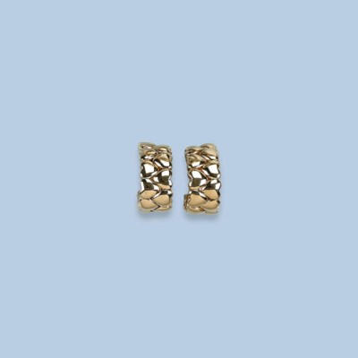 A PAIR OF GOLD EARCLIPS, BY CA