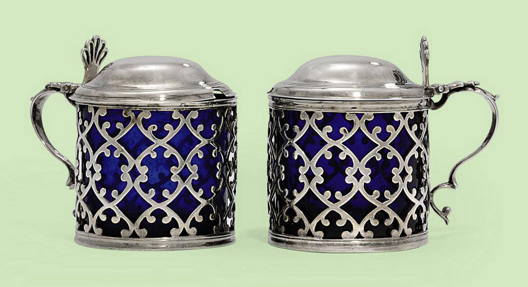 A PAIR OF GEORGE III SILVER MUSTARD-POTS
