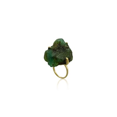 A ROUGH EMERALD RING