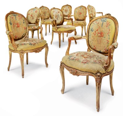 A SET OF EIGHT FRENCH GILTWOOD