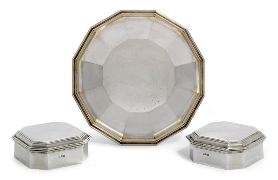 A PAIR OF GEORGE V SILVER DRESSING-TABLE BOXES AND AN ITALIAN DISH