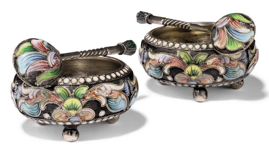 A SMALL PAIR OF RUSSIAN SILVER AND SHADED CLOISONNE ENAMEL SALTS WITH SPOONS