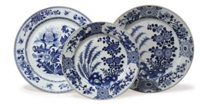 THREE CHINESE BLUE AND WHITE C
