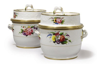 A PAIR OF SPODE TWO-HANDLED FR