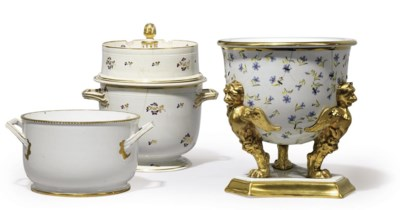 A SPODE ICEPAIL AND LINER, A D