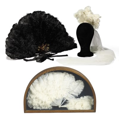 A GROUP OF OSTRICH FEATHER FAN