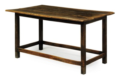 A GEORGE III ELM CENTRE TABLE