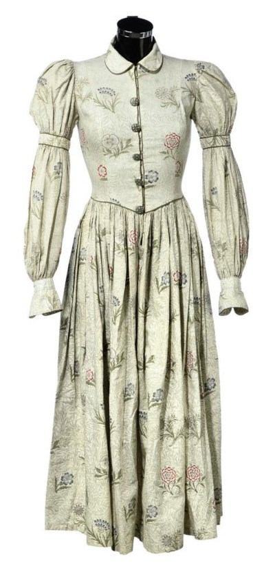A VICTORIAN PRINTED COTTON DAY