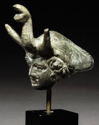 A GREEK BRONZE HEAD OF ALEXAND