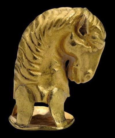 A SCYTHIAN GOLD HORSE HEAD FIN