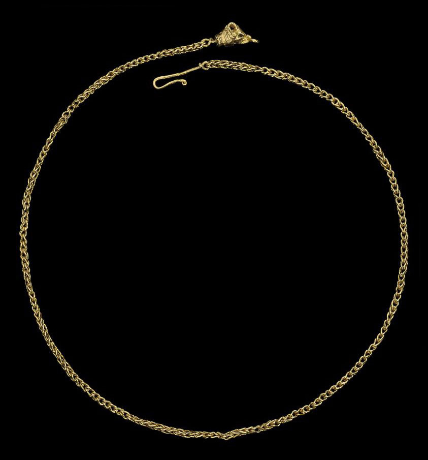 A GREEK GOLD NECKLACE WITH GOA
