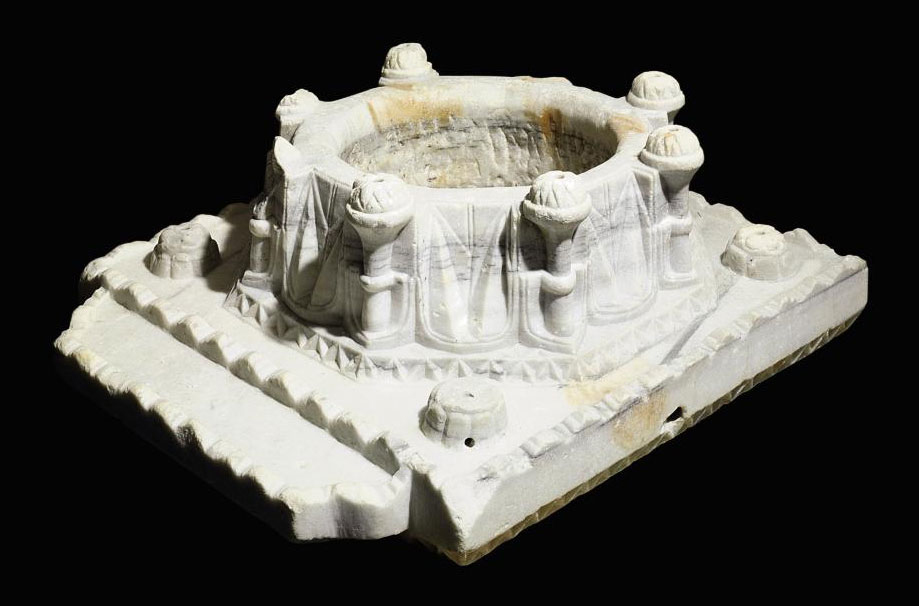 AN OTTOMAN CARVED GREY MARBLE