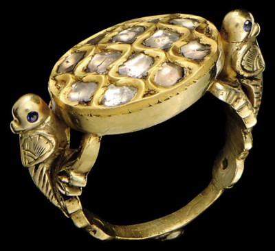 A DIAMOND SET GOLD RING, INDIA