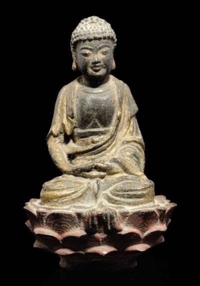 A GILT LACQUERED BRONZE BUDDHA