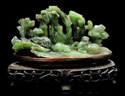 A SPINACH GREEN JADE BRUSHREST