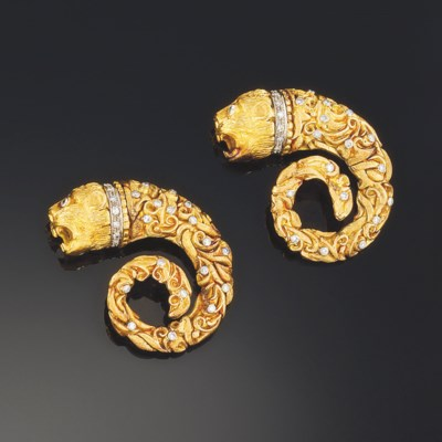 A pair of brooches, by Lalaoun