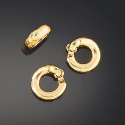 A pair of earrings and a ring,