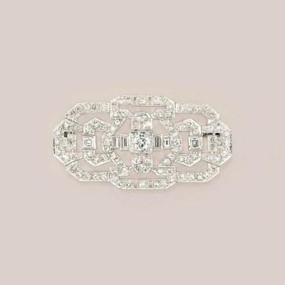 An Art Deco diamond plaque bro