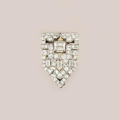 An Art Deco French diamond cli