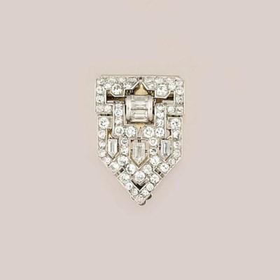An Art Deco French diamond cli