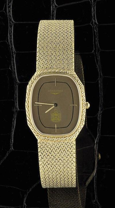 An 18ct. gold wristwatch, by L