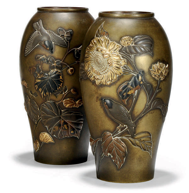 A PAIR OF JAPANESE BRONZE VASE