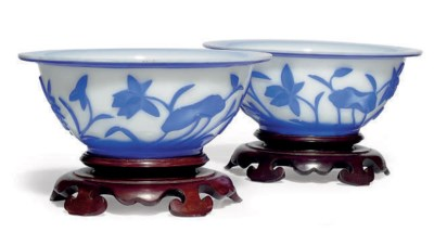 A PAIR OF CHINESE BLUE OVERLAY
