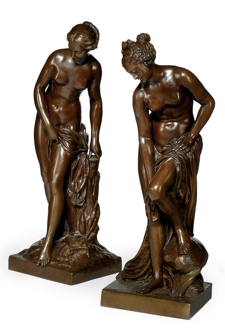 A PAIR OF FRENCH BRONZE FIGURES OF VENUS AT HER BATH