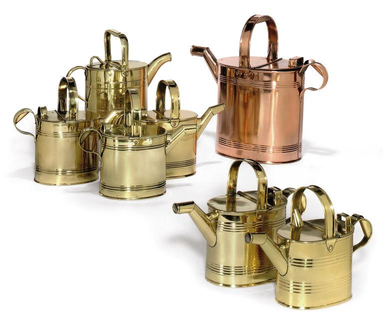 A COLLECTION OF BRASS OR COPPE