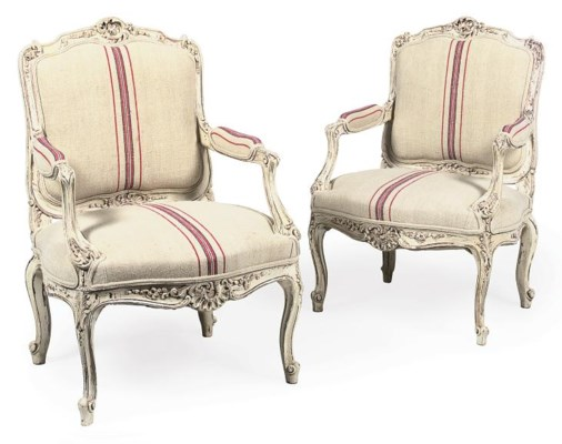 A PAIR OF CARVED FAUTEUILS