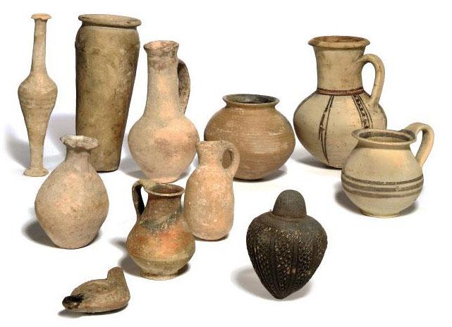 An Egyptian Pre Dynastic Pottery Jar Naqada Iii Circa
