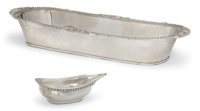 A WILLIAM IV SILVER PAP BOAT