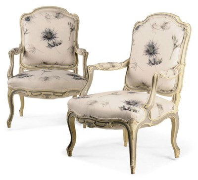 A PAIR OF FRENCH PAINTED OPEN