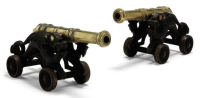 A PAIR OF BRASS TABLE CANNON