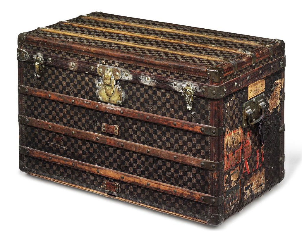 A COURRIER TRUNK IN 'DAMIER' C