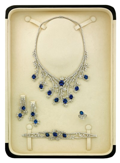 A SAPPHIRE AND DIAMOND PARURE,